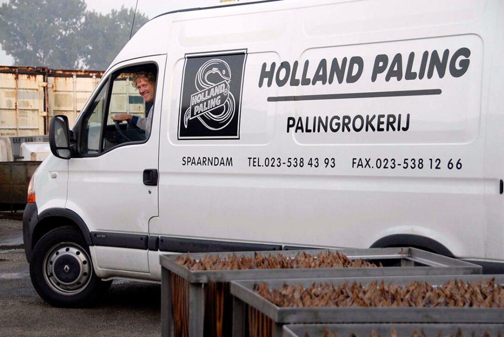 Holland Paling uit Spaarndam brengt de vers gerookte paling bij je thuis of op het werk